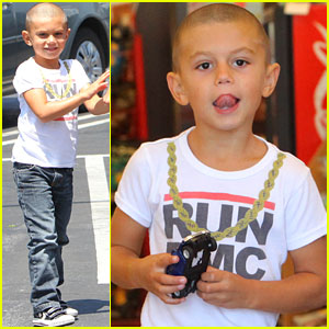Kingston Rossdale: Shaved Head in Studio City!
