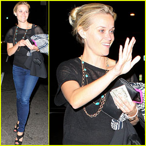 Reese Witherspoon: Saturday Night Dinner Out