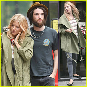 Sienna Miller &#038; Tom Sturridge: Lunch Date!
