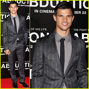Taylor Lautner: 'Abduction' Premiere in