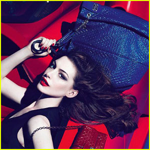 Anne Hathaway: Tod's New Face!