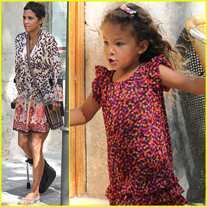 Halle Berry &#038; Nahla: Out and About in Mallorca