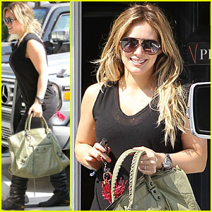 Hilary Duff: Pilates Class in Hollywood!