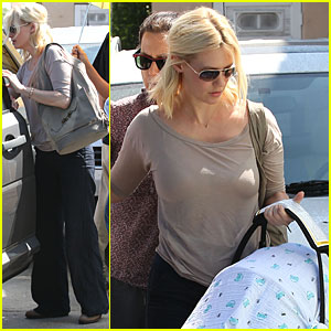 January Jones & Xander Visit a Friend