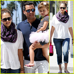 Jessica Alba: Brunch with Cash Warren and Honor!