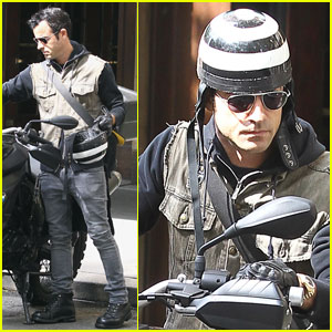 Justin Theroux Bikes in the Big Apple