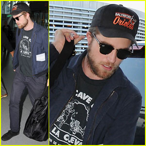 Robert Pattinson Takes Off From