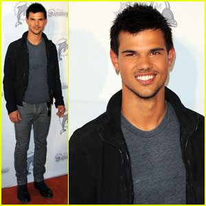 Taylor Lautner: Cambio Live Chat This Friday!