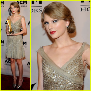 Taylor Swift: ACM Honors Award Recipient!