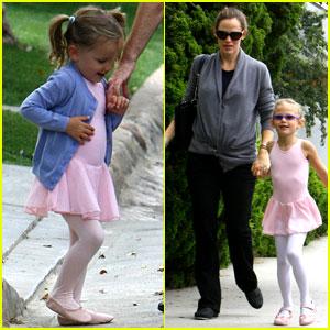 Violet & Seraphina Affleck: Jennifer Garner's Ballet Babies!