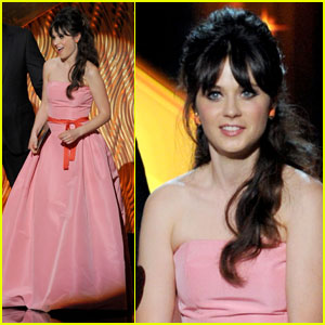 Zooey Deschanel - Emmys 2011 Presenter