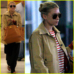 Ashley Olsen Jets Into JFK