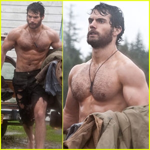 Henry Cavill: Shirtless on 'Man of Steel' Set!