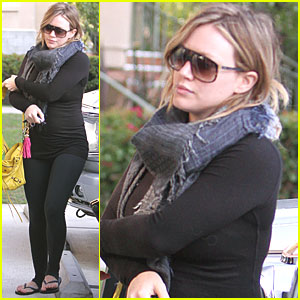 Hilary Duff: Pilates Workout Woman