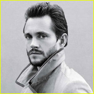 Hugh Dancy Talks Playing Gay Characters