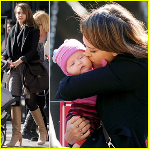 Jessica Alba: Park Playdate With Haven & Honor!