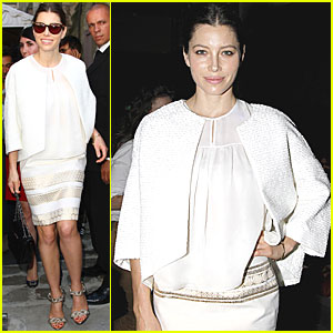 Jessica Biel: Giambattista Valli Show at Paris Fashion Week!