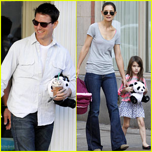 Katie Holmes & Tom Cruise: Starbucks Stop with Suri!