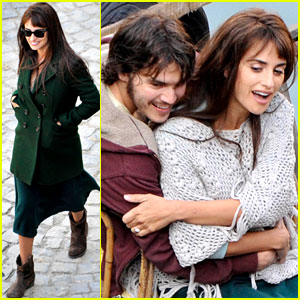 Penelope Cruz &#038; Emile Hirsch Film on a Boat