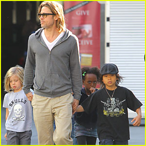 Brad Pitt & Kids See 'Hugo' on Black Friday