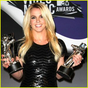Britney Spears: New Interview with 'Stylist'!