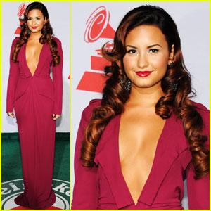 Demi Lovato: Latin Grammys 2011 Performer!