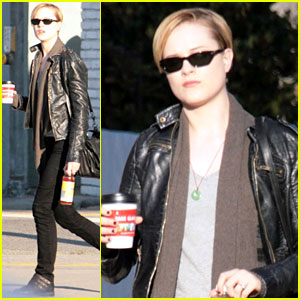Evan Rachel Wood: Post Thanksgiving Coffee Run