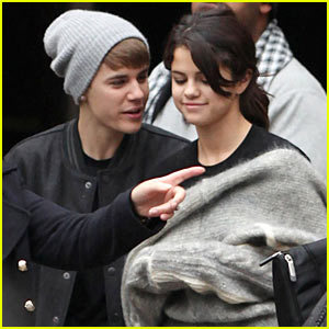 Justin Bieber's 'Mistletoe' Breaks Billboard Records