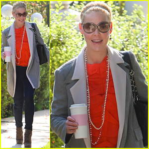 Katherine Heigl: Coffee Break in Los Feliz