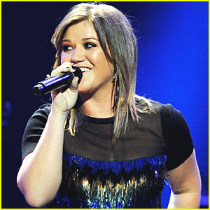 Kelly Clarkson Cancels Remaining Piece By Piece Tour Dates