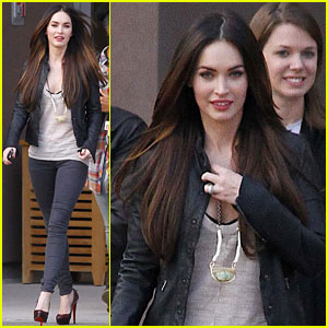 Megan Fox & Brian Austin Green: Veterans Visit!