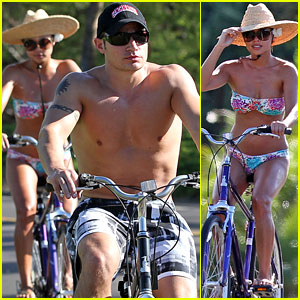 Nick Lachey &#038; Vanessa Minnillo: Toned &#038; Buff Beach Bike Ride!