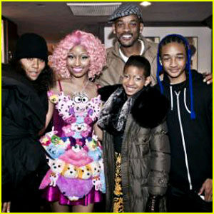 Nicki Minaj: Smith Family Picture!