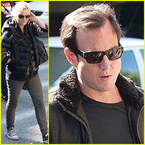 Amy Poehler &#038; Will Arnett Land at LAX