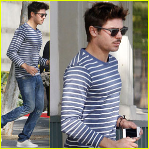 Zac Efron: Post Halloween Food Run