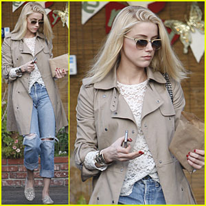 Amber Heard: Card Shopping in West Hollywood