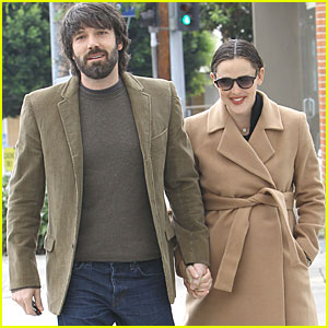 Jennifer Garner & Ben Affleck: Toy Shopping on Sunday