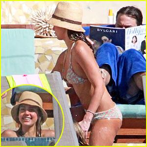 Jessica Alba: Bikini Mom in Mexico!