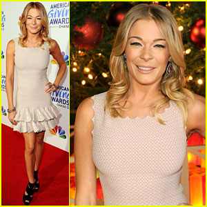 LeAnn Rimes: American Giving Awards Gal!