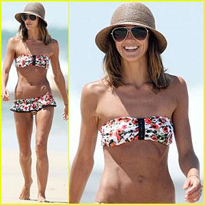 Sharni Vinson: Bikini Babe in Australia