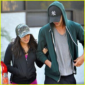 Vanessa Hudgens & Austin Butler: Studio City Stroll!