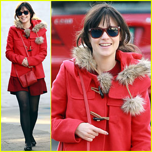 Zooey Deschanel: Christmas Spirit Cutie!