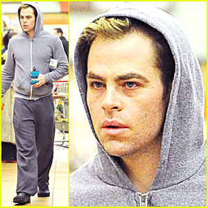 Chris Pine: Bleached Blond Tips!