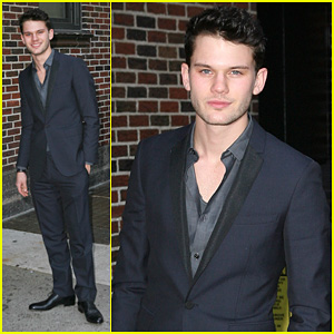 Jeremy Irvine: 'Late Show with David Letterman' Visit!