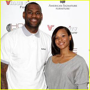 LeBron James: Engaged to Savannah Brinson!