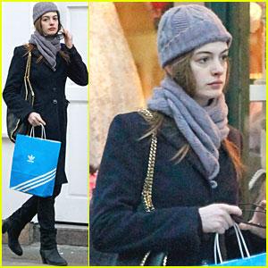 Anne Hathaway: Adidas Shopper!