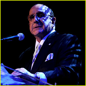 Clive Davis Holds Moment of Silence for Whitney Houston