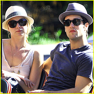 Emily VanCamp & Josh Bowman: Hanging in LA!