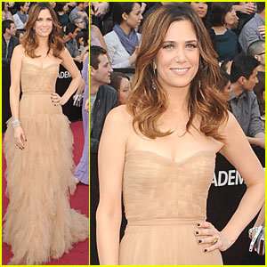 Kristen Wiig - Oscars 2012 Red Carpet