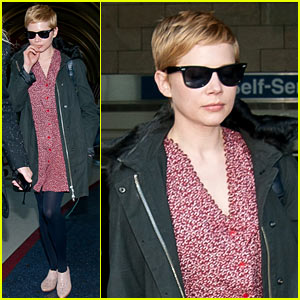 Michelle Williams Lands at LAX